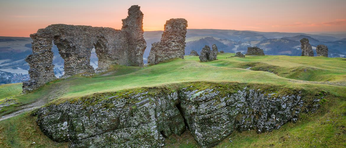 Castles, Gardens and Battlefields: The Historic Isles are Calling